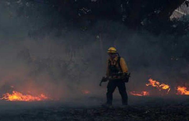 مقتل (10) أشخاص في حرائق كاليفورنيا