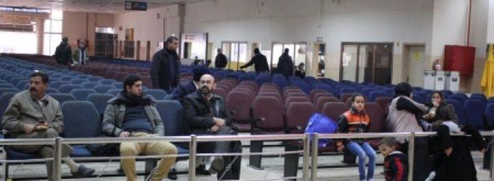 الاحتلال يمنع 11 فلسطينيًا من السفر عبر معبر الكرامة