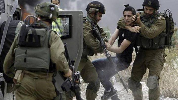 الاحتلال يعتقل شابين من طولكرم
