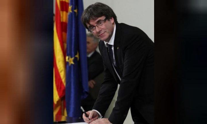 مدريد تمهل كاتالونيا 5 أيام لتحديد موقفها