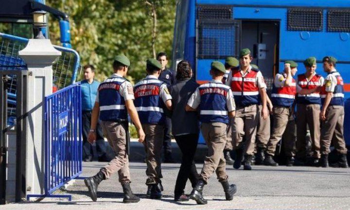 تركيا تعتقل العشرات لصلتهم بالانقلاب الفاشل