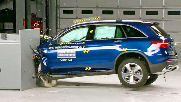 """تعرف على السيارة الأكثر أمانًا في العالم! """"فيديو"""""""