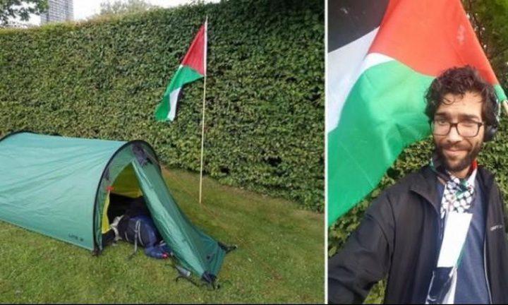 متضامن سويدي سيصل إلى فلسطين مشيًا على الأقدام