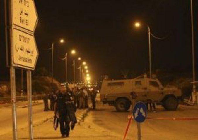 الاحتلال يغلق حاجز بيت اكسا شمال غرب القدس في الاتجاهين