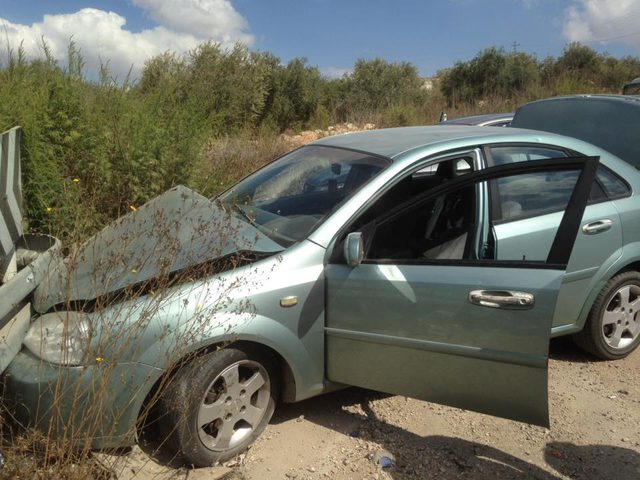بالصور: إصابة ثلاثة مواطنين بحادثي سير منفصلين في نابلس