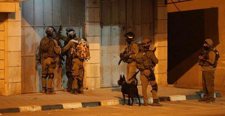 اعتقالات ومداهمات بالضفة(محدث)