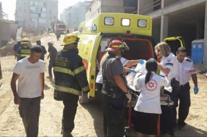 إصابة شاب بجروح خطيرة في حادث عمل بأراضي الـ48