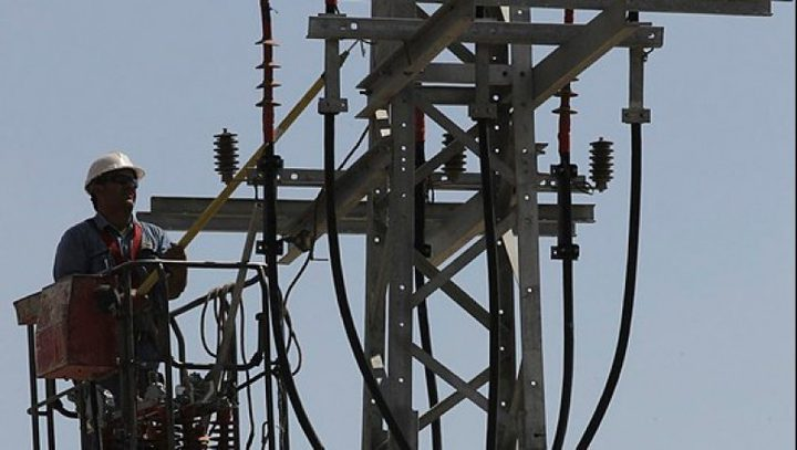 الاحتلال يقرّر اليوم بشأن إعادة (120 ميغا وات) لكهرباء غزة