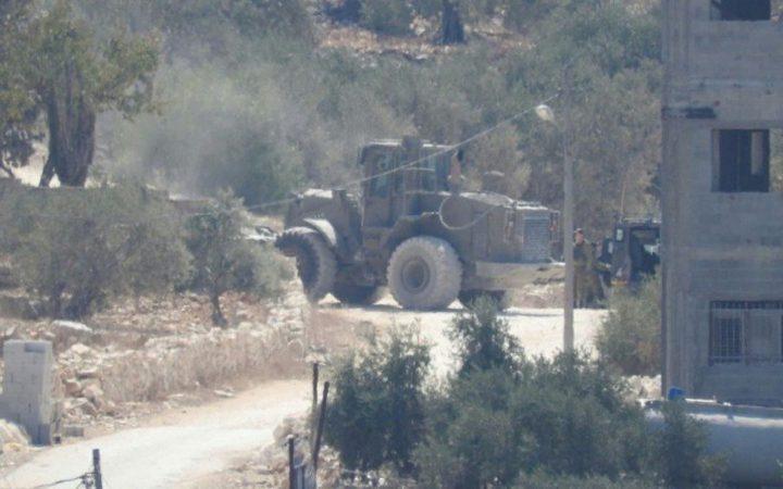 الاحتلال يغلق طريقاً زراعياً جنوب غرب بيت لحم
