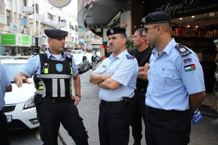 الشرطة تلقي القبض على مطلوب