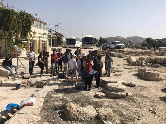 الاحتلال يمنع بلدية سبسطية ووزارة الآثار من تنفيذ أعمال ترميم(صور)