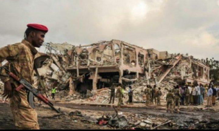 ارتفاع حصيلة الضحايا إلى 358 قتيلا في مقديشو