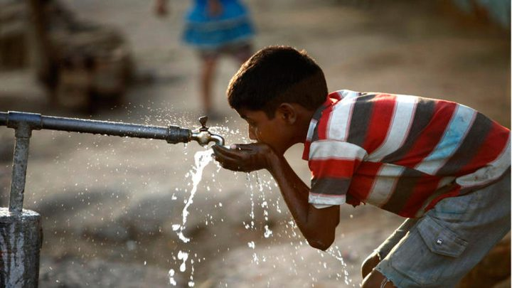 الصحة تؤكد السيطرة على تلوث مياه الشرب بمخيم الفوار