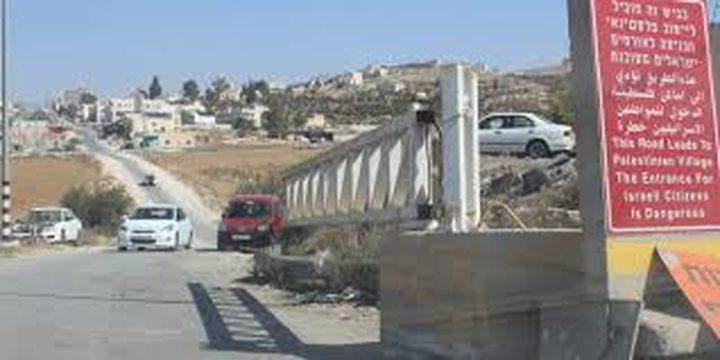 الاحتلال يفتح البوابة العسكرية على مدخل بيت عوا