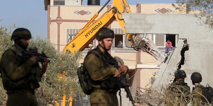 الاحتلال يهدم منزلا في اللد ويشرد قاطنيه