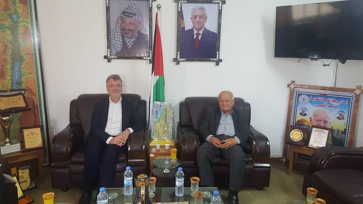 الأغا يلتقي مدير عمليات الأونروا في قطاع غزة