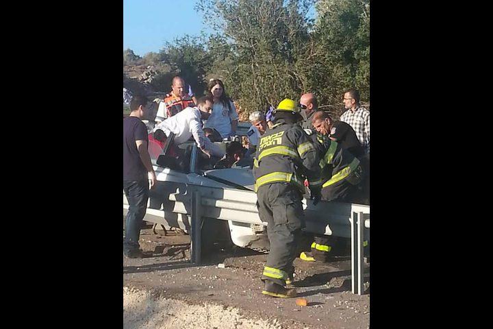 مصرع مواطن وإصابة 4 في حادث سير (صور-فيديو)