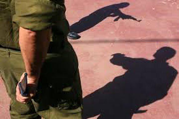 اتهام أحد ضباط الاحتلال بحيازة حاوية أسلحة