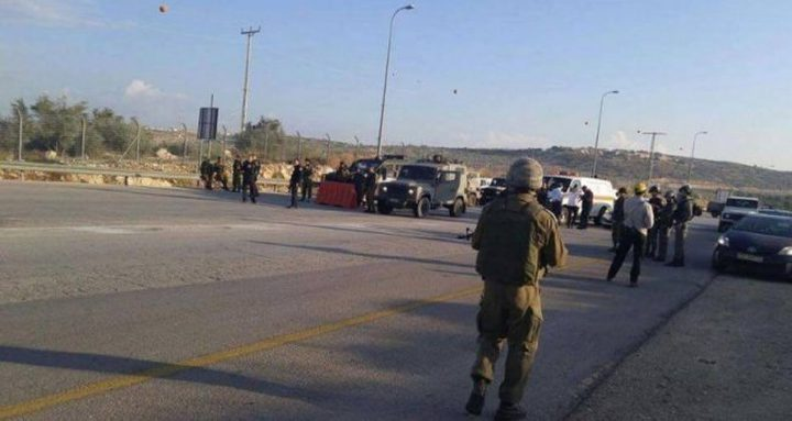 الاحتلال يعيق حركة المواطنين على حاجز أم الريحان