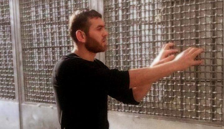"""الأسير """"ذياب"""" يواصل اضرابه عن الطعام وسط زنزانة ضيّقة ومليئة بالحشرات"""