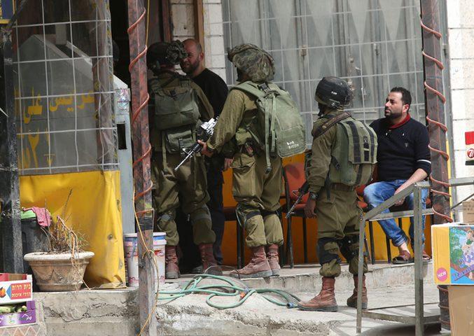 الاحتلال يعيد فتح طرقا في القدس