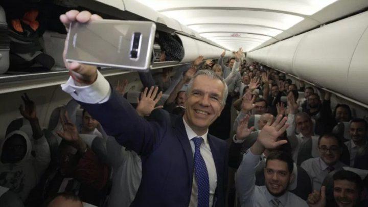 شركة طيران توزع هواتف سامسونغ نوت 8 على ركابها!