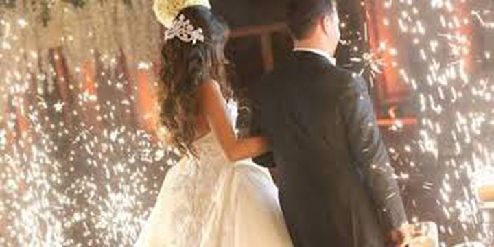 حفل زفاف ينتهي بطلاق والدة العريس !