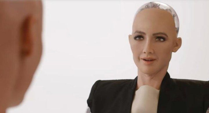 أول روبوت بالعالم يُمنح الجنسية وجواز السفر