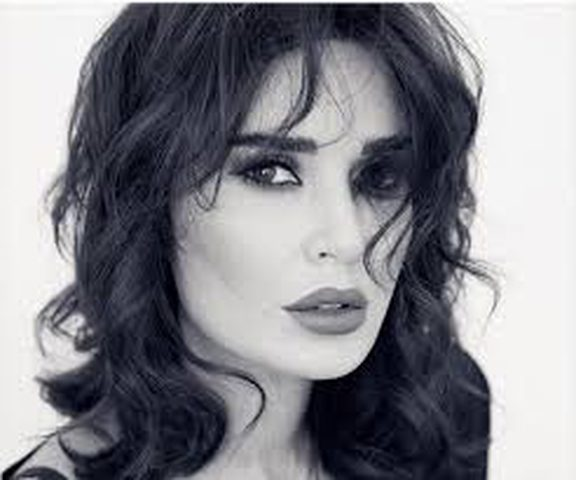 سيرين عبد النور تخيّر جمهورها لانتقاء اسم اغنيتها الجديدة... وهذا موعد إصدار الكليب