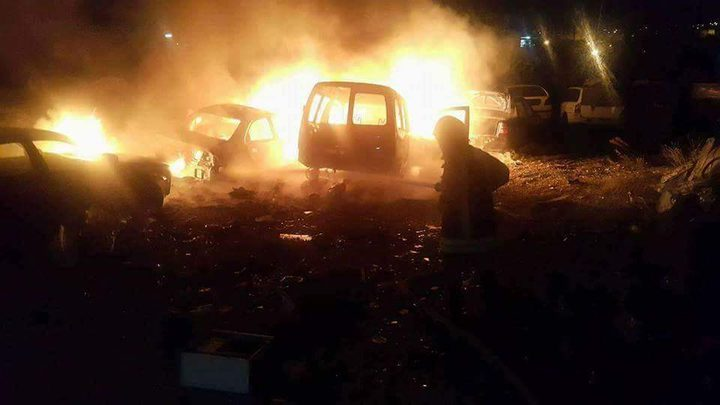 اندلاع حريق بمشطب للمركبات شمال غرب سلفيت