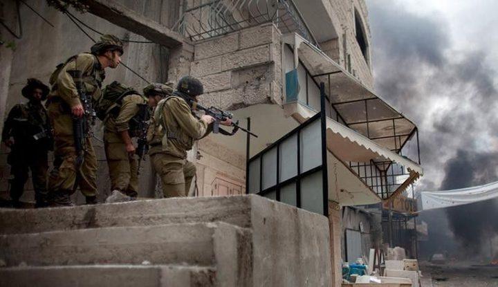الاحتلال يطلق النار على شابين بمخيم الدهيشة