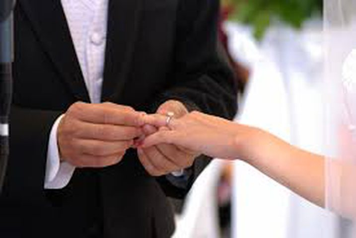 والد فتاة من محافظة نابلس يخرج عن المألوف بزواج ابنته...!
