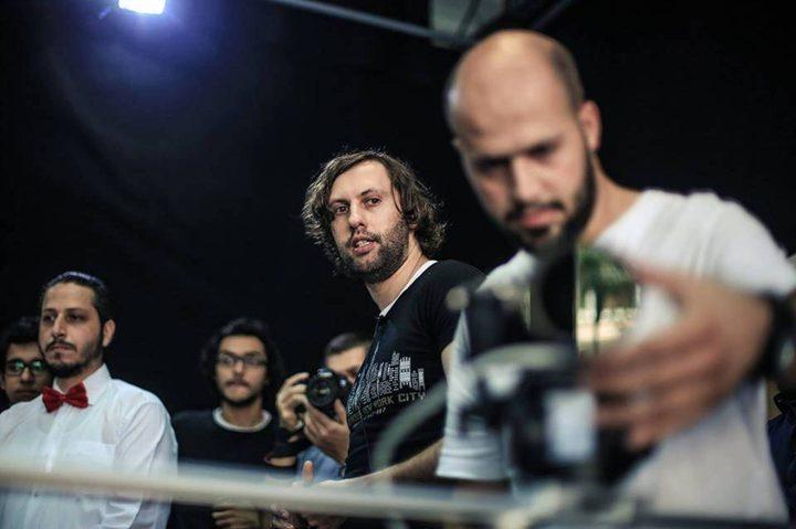 """الشاهد الوحيد على """"طعن"""" المخرج السوري في إسطنبول يغيّر أقواله ويتبرأ من صديقه"""