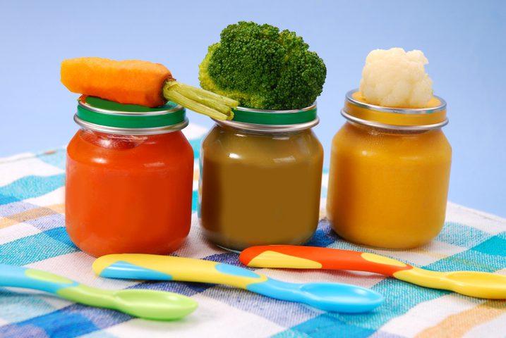 تحذيرات من مواد خطرة في أغذية الأطفال