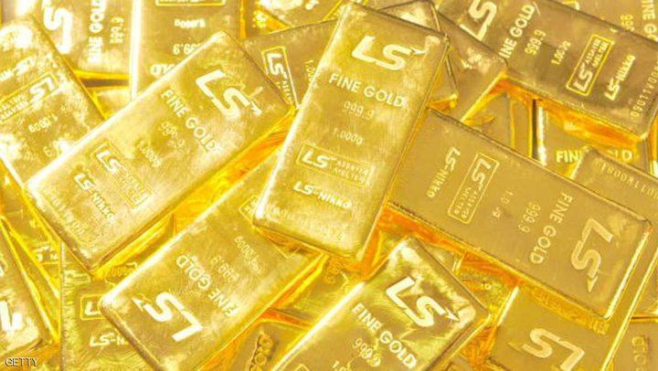 الذهب يصعد بدعم من تراجع الدولار