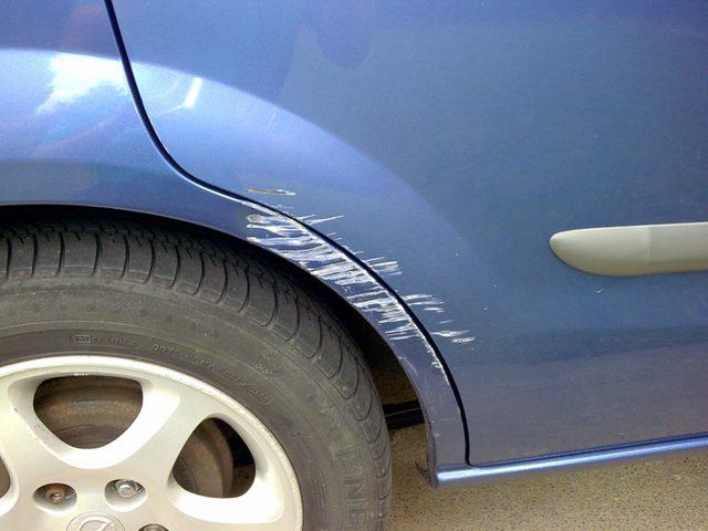 طريقة علاج خدوش طلاء سيارتك بسهولة (صور)