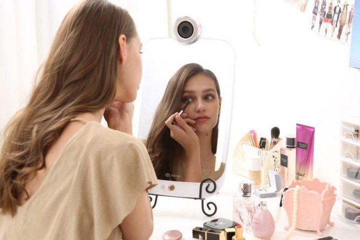 مرآة ذكية تحلل البشرة وتعطي نصيحة