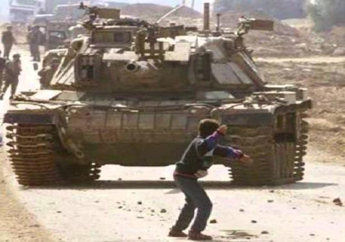 """الذكرى الـــ 17 لاستشهاد """"فارس عودة"""" (فيديو)"""