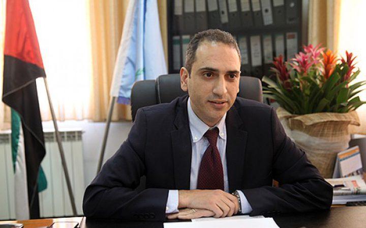 حنش: طباعة أول بيان جمركي فلسطيني على معبر كرم ابو سالم