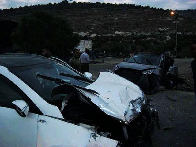 إصابة 4 مواطنين اثنان منهم بحالة خطيرة بحادث سير