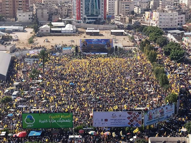 مليون مواطن يحتشدون في ذكرى الشهيد ياسر عرفات بغزة