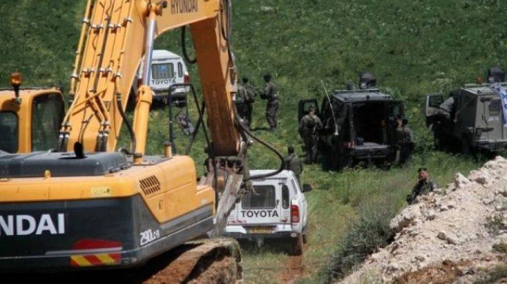 الاحتلال يستولي على جرافة في الأغوار الوسطى