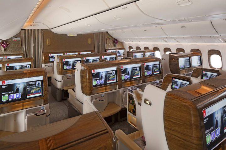 مفاجآت الطيران والفضاء في دبي