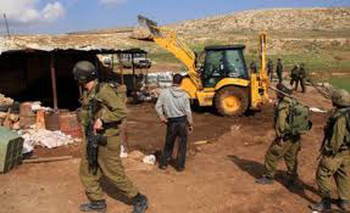 الاحتلال يخطر بوقف بناء منزلين في الولجة