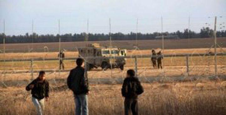 الاحتلال يستهدف المزارعين جنوب قطاع غزة