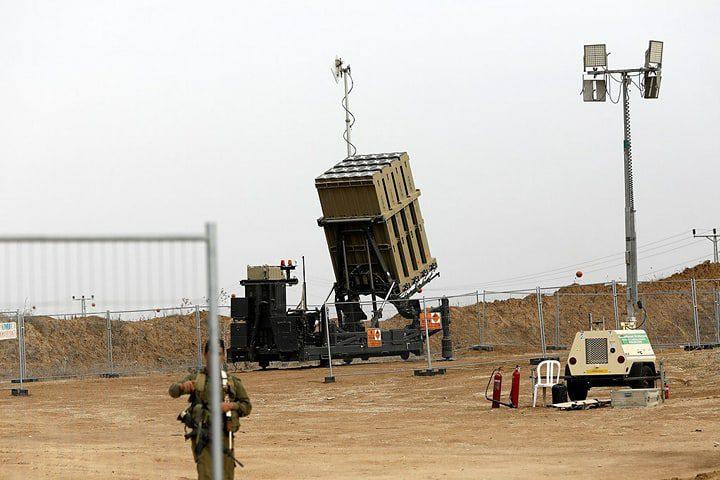 بالصور: الاحتلال يدفع بتعزيزات عسكرية على حدود غزة