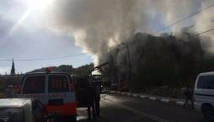 حريق يلتهم أشجار زيتون وصنوبر في بيت عنان