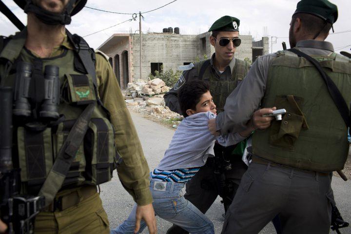 جنين: الاحتلال يحتجز طفلين ويصيب مواطنين بالاختناق