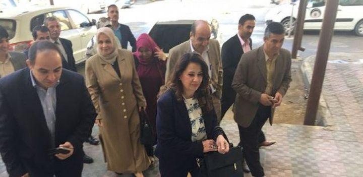 الأتيرة تصل إلى غزة لمتابعة مهامها وحصر الموظفين