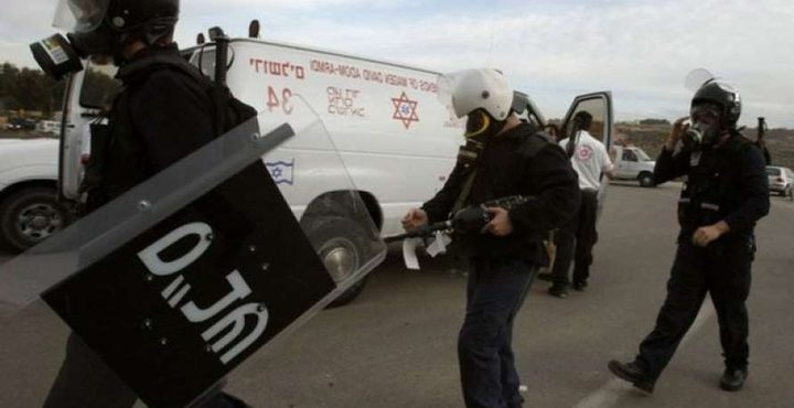 """قوات القمع تقتحم أقسام في معتقل """"عوفر"""""""